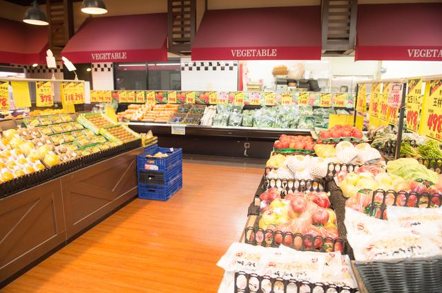 地域密着型スーパー